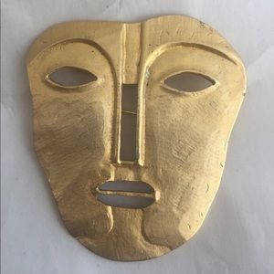 Jewelry - Large goldtone African ethnic mask brooch pin